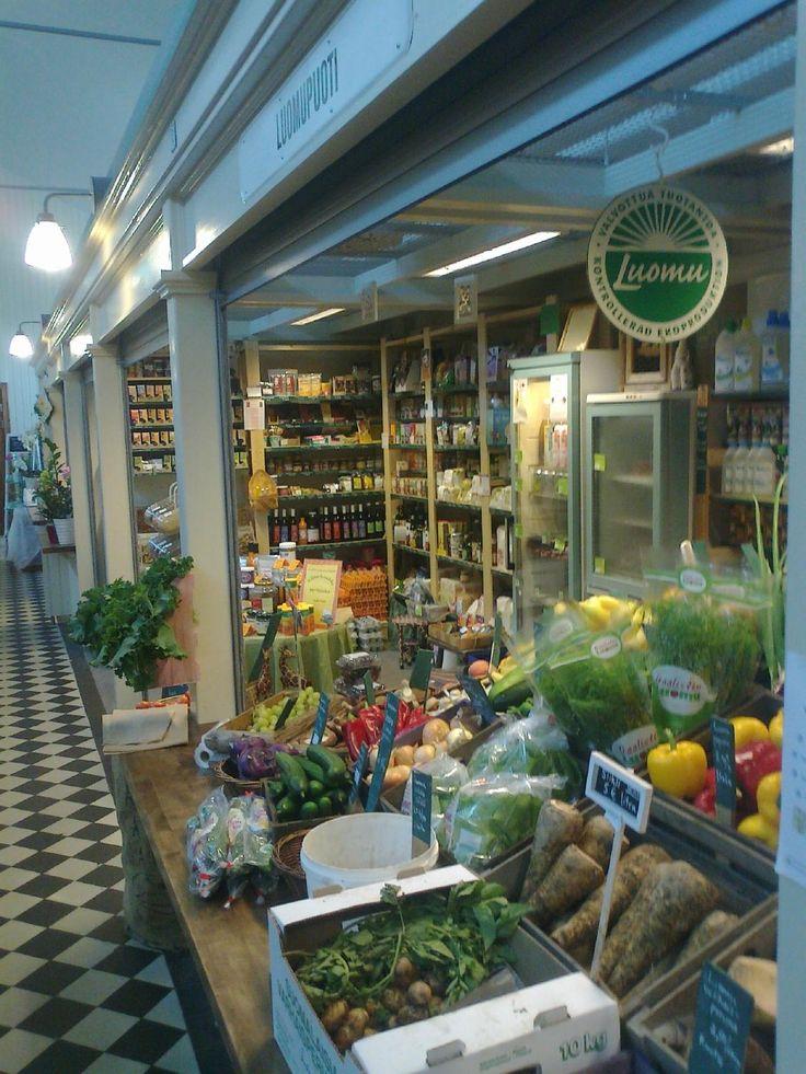 Porin Kauppahalli – kohde Pori -  A renovated lively market hall