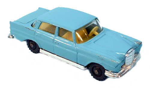#diecast #Husky 3 Mercedes 220 new or updated at www.diecastplus.info