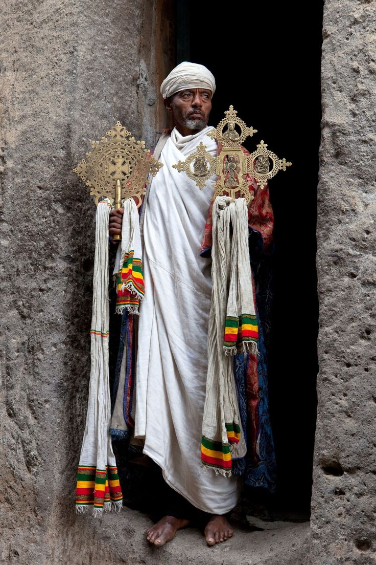 Religioso Ortodoxo de Etiopía. Cruces Sagradas.