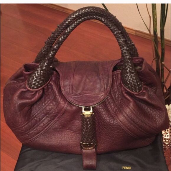 Authentic Fendi Spy bag  In amAzing shape! Don't miss out! FENDI Bags