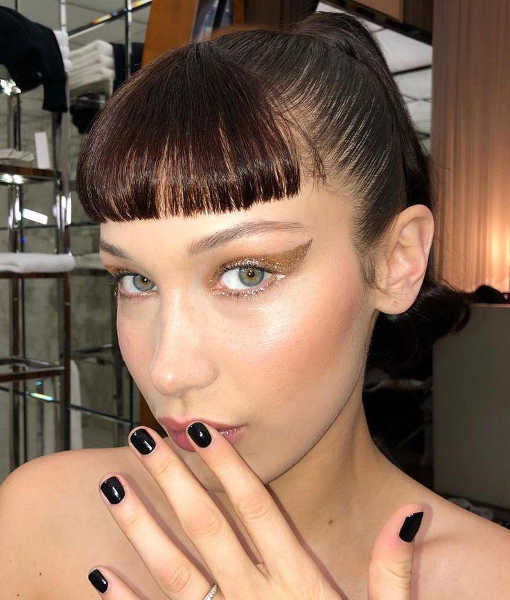 "403 curtidas, 10 comentários - Naoko Scintu (@naokoscintu) no Instagram: ""Beautiful Bells @bellahadid Last night for @dior @diormakeup #beauty #glittereyeshadow…"""