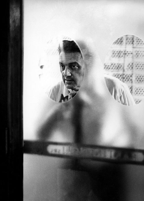 Federico Fellini on the set of Juliet of the Spirits/Giulietta degli spiriti (1965)
