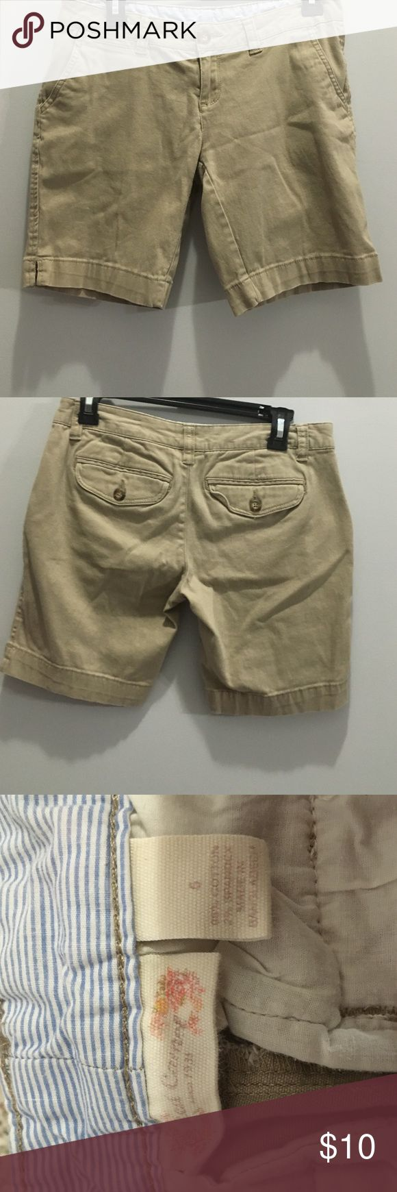 Bermuda tan shorts! Tan shorts. Worn maybe once or twice. Perfect condition. Red Camel Shorts Bermudas