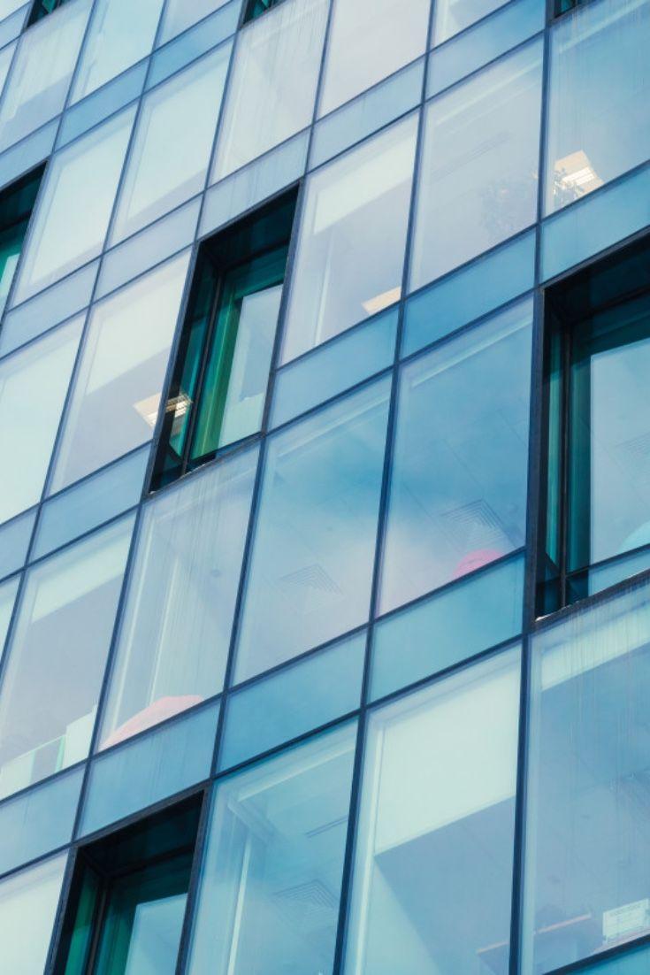 Unsere Blaulich Getonte Uv Schutzfolie Blue Vision 20x Hc Dient Zur Aussenmontage Und Bietet Einen Starken Sonnensc In 2020 Fensterfolien Behandlungszimmer Sonnenschutz
