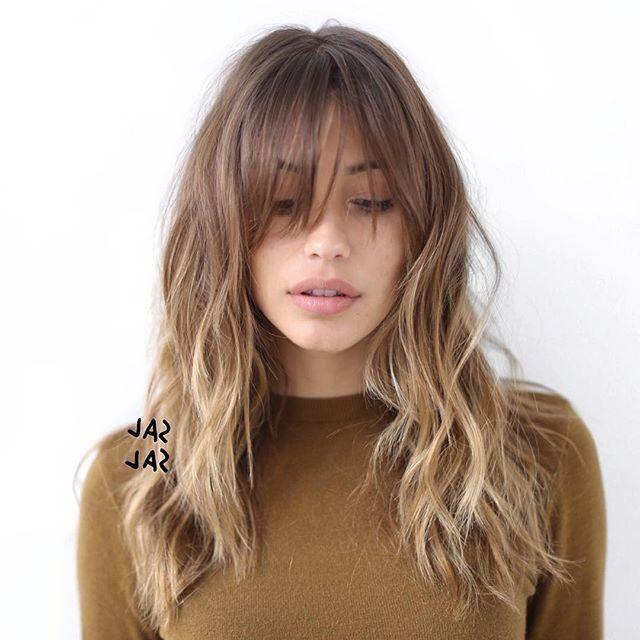 Die Besten Ideen Lange Frisuren Mit Fransen Und Schichten Das Wichtigste An Der Auswahl Der Besten Lange Frisur Hair Styles Long Hair Styles Long Face Haircuts