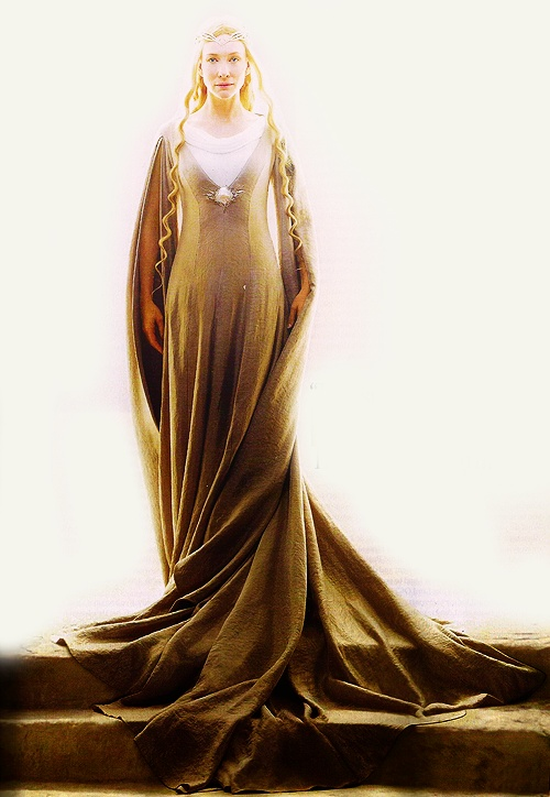 Galadriel : ghastly high contrast image, but the gown hem draping and fabric pattern is easier to see.