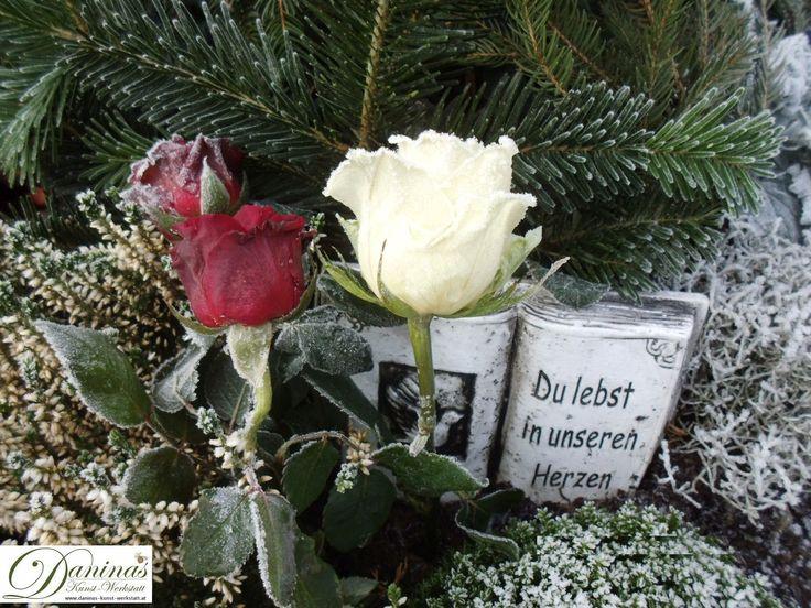 Grabgestaltung und Grabbepflanzung selber machen. Gedanken zum Tod und Abschied eines geliebten Menschen. Traurige Pflichten, tiefe Verbundenheit und Geborgenheitsempfinden am Grab.