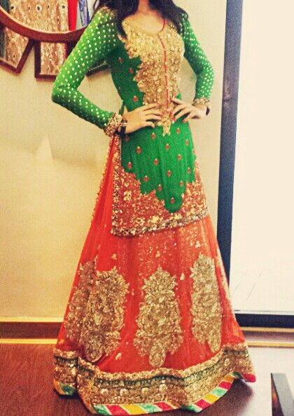 To order it's replica,kindly email at pehrwaas@gmail.com. - Green top, orange lehnga, add a shocking pink scarf to make the best outfit!. Not the bottom patti though