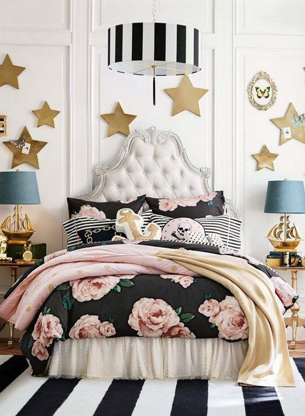 Dream bedroom, full of fashion, fun, adventure and a whole lot of personality for teenage girls. Black, rose and gold bedroom.
