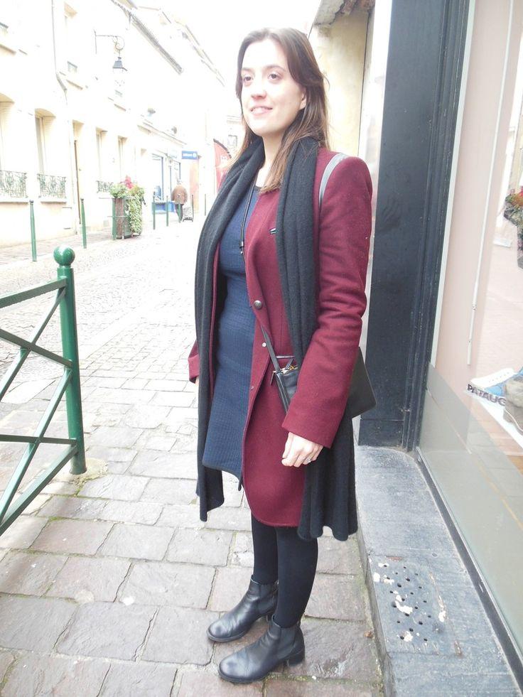 """Manteau - IKKS // Robe - Carven + Petit Bateau // Echarpe en cachemire - Cos // Bottines - Perlato // Sac """"Trio Bag"""" - Céline Paris"""