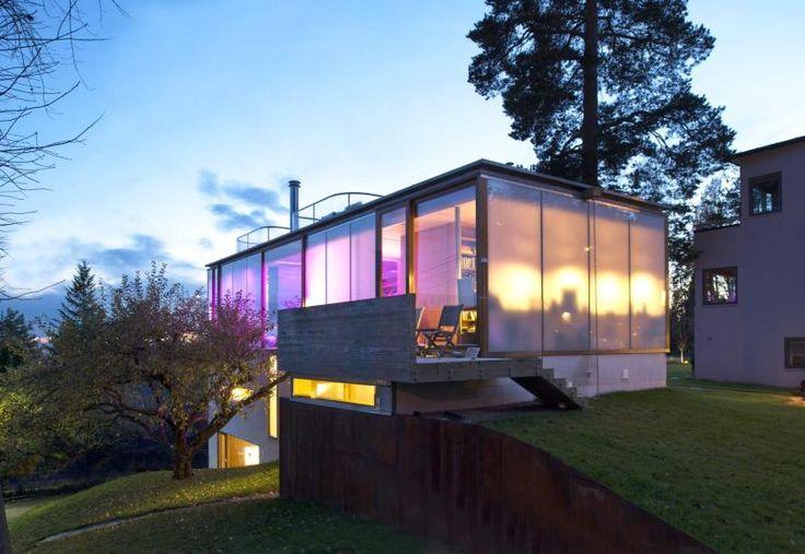 "A house at Holmenkollåsen with ""magic"" walls"