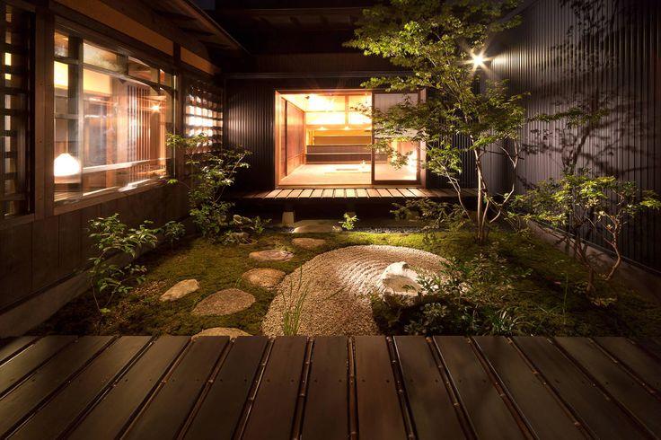 有限会社 TEAMWORKS の アジア風 庭 中庭