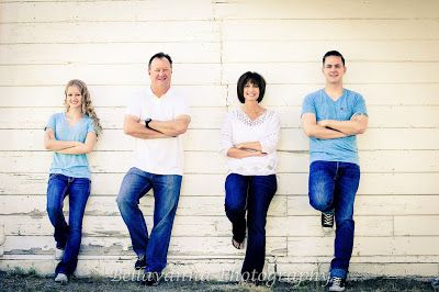 Families with teenagers poses; family pictures