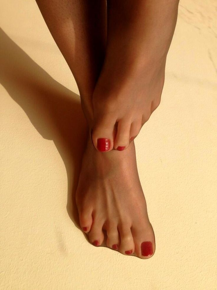 Feet toes pantyhose stockings