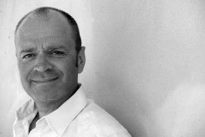 Christoph Uhl ist professioneller Paarberater in Berlin mit langer Erfahrung.