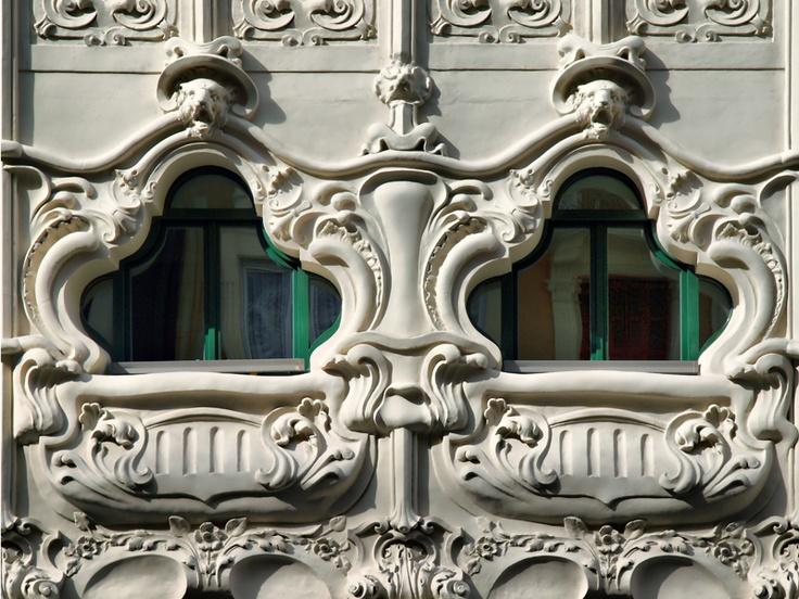 Bilbao. - Edificio Modernista
