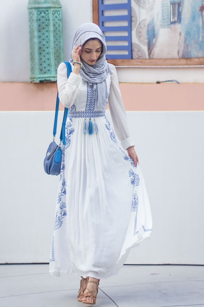 White and blue dress. www.filterfashion.com FOLLOW MY INSTAGRAM AT  layerz101. Dresses For SummerNice DressesHijab