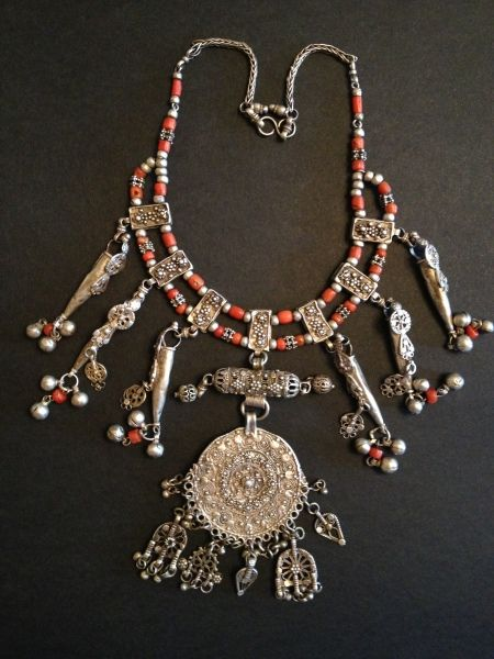 Silver & coral necklace.  From Yemen, ca. 1900.✿⊱╮