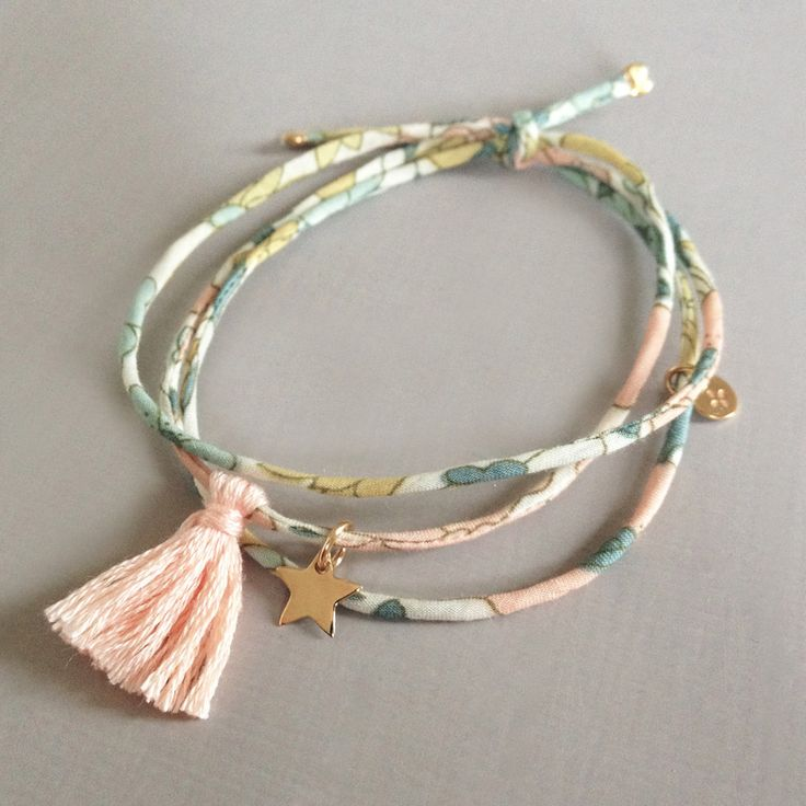 bracelete Liberty finement cousu et étoile plaqué or. http://bijouxcreateurenligne.fr/product-category/bracelet-fantaisie/