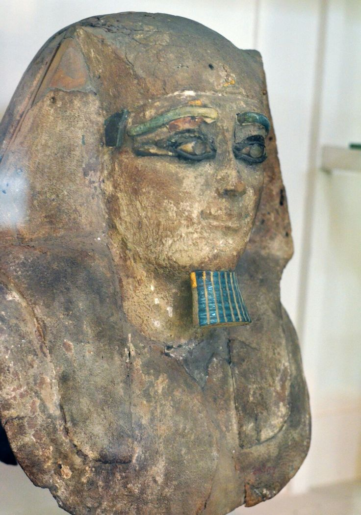 Fake/forged Egyptian statues .While most ancient Egyptian statues had their noses destroyed,this supposedly 'Caucasians' statue has its nose intact