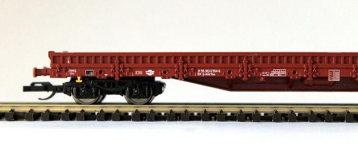 A Tillig új TT méretarányú vasútmodell teherkocsit hozott forgalomba. Az V. korszakos MÁV vagon alacsony oldalfalú, rakoncás, Res típusú teherkocsi.