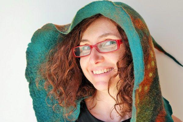Chapéu em lã Merino. http://ideiasdaflora.blogspot.pt/ Flora Silva - Portugal