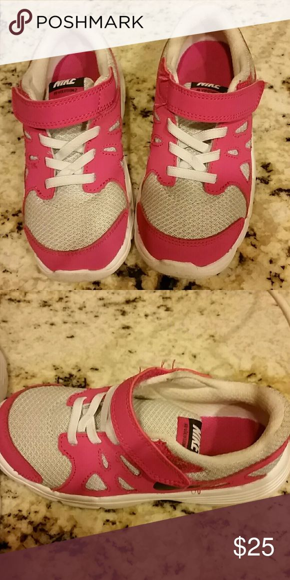 Girls tennis shoes worn once Excellent condition Nike Shoes Sneakers
