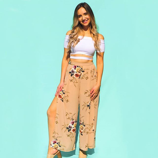 Our September Love pants are back in stock!  Get yours before they're gone again  #ilovepeachlea .  .  .  .  .  .  .  .  .  #ootd #fashion #style #fall #stylegram #fashiongram #fashioninspo #wiwt #girl #toronto #outfitoftheday #styleinspo #fall2017 #beautiful #love #fashioncanadians #love #blonde #babe