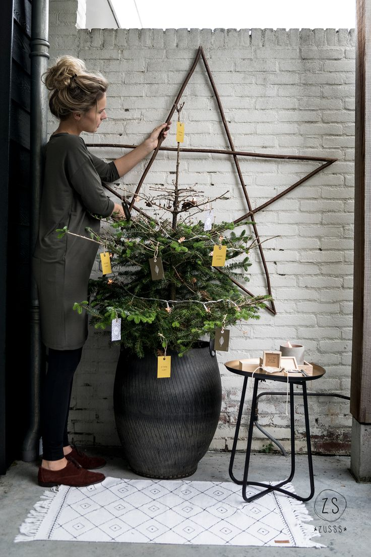 Yule style!! Noel Christmas!! Winter solstice!! Wonderful branch star!! In neutral gray tones! Zusss | Kerst 2017 | www.zusss.nl