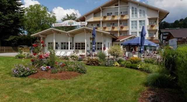Hotel Kurpark-Cafe - 3 Star #Hotel - $55 - #Hotels #Germany #Bodenmais http://www.justigo.co.uk/hotels/germany/bodenmais/kurpark-cafe_202934.html