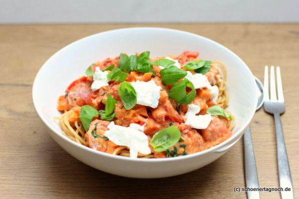 Schöner Tag noch! Food-Blog mit leckeren Rezepten für jeden Tag: Spaghetti mit Süßkartoffel-Tomaten-Sauce, Salsicce...