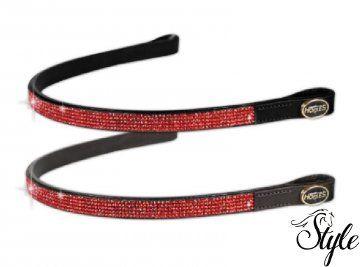 HORSES homlokszíj Red Strass (barnában is) Gyönyörű piros strasszkövekkel díszített kiváló minőségű homlokszíj.   Technikai paraméterek  - kiváló minőségű puha bőrből  - 5 sorban strasszkövekkel díszítve