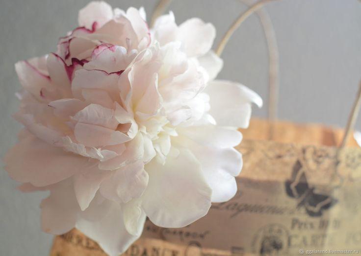 Купить Пион Festiva Maxima из полимерной глины. Ботаническая скульптура - цветы, пион, белый, Снег