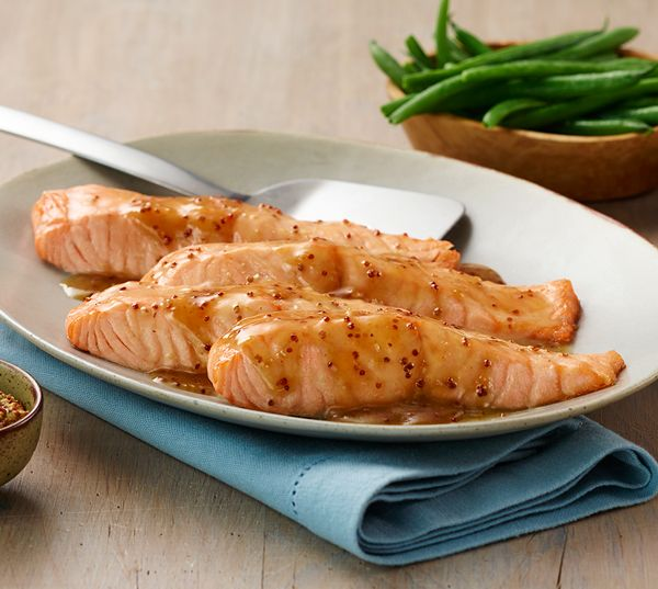 Did you know: Becel margarine and salmon both contain good fats. Pair the two in our heart healthy Becel Maple Mustard Salmon recipe.