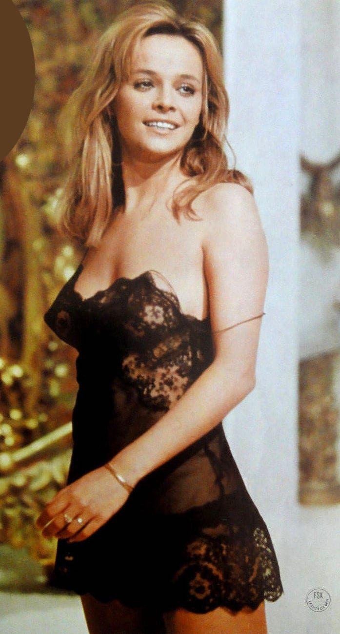 Laura Antonelli | Laura antonelli, Italian actress