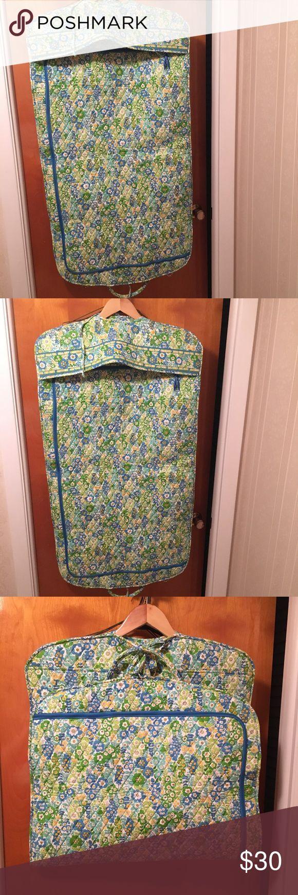 Adorable floral Vera Bradley garment bag Very nice and protective Vera Bradley Bags Travel Bags