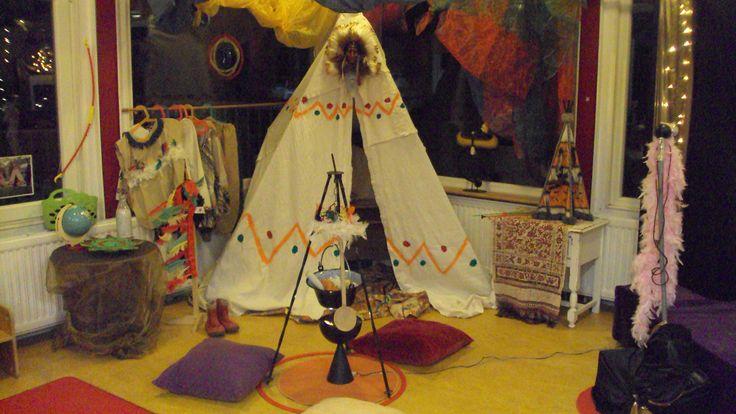 Thema Noa en de Wind, een muziek project op de Prins Clausschool. Een indianen meisje wil graag krijger worden en krijgt van haar vader een blaaspijpje.