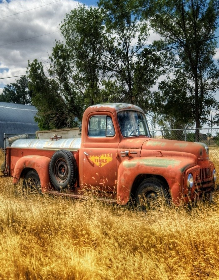 Best 207 Old Trucks and Barns images on Pinterest | Old cars ...