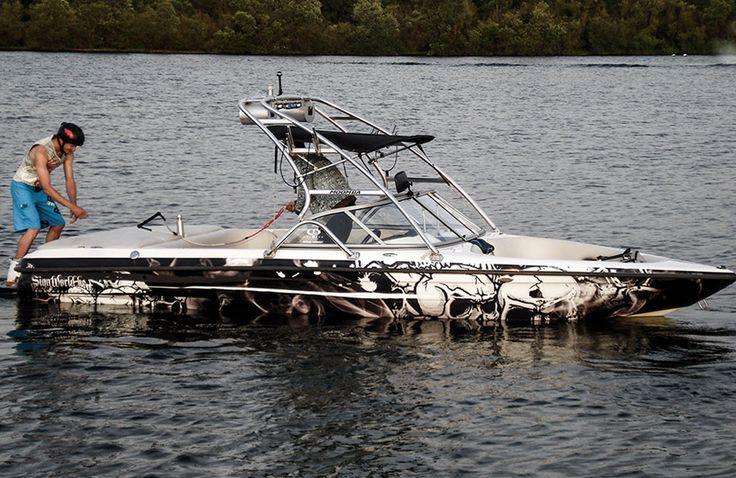 The Black Pearl Boatwrapping #signmania #boatwrapping #boats #boatwrap #wrapping #boat #design - www.signmania.com