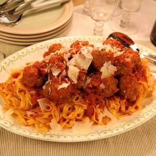 Italienska köttbullar med tagliatelle - Recept från Mitt kök - Mitt Kök