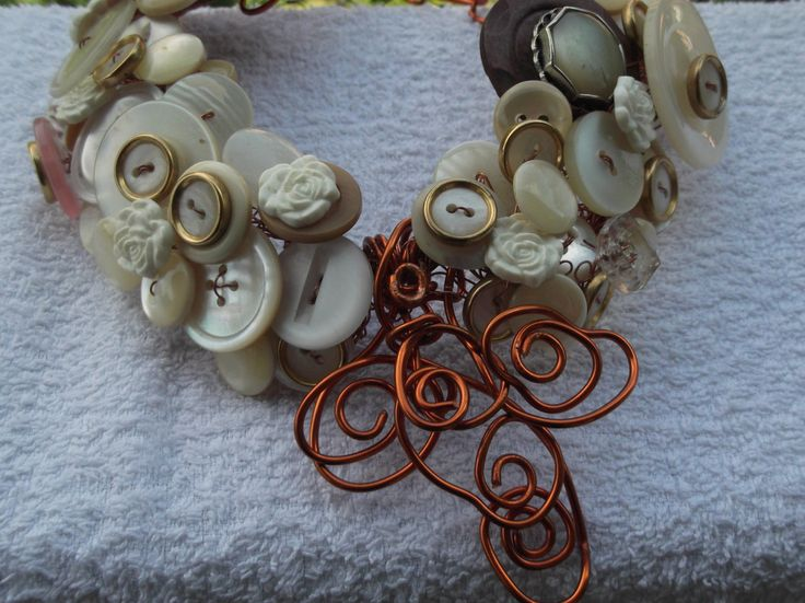 Girocollo di bottoni vintage di Biancanevecollection su Etsy
