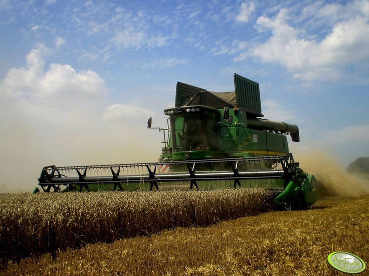 John Deere S690i  #JohnDeere #kombajn #żniwa #pszenica #zboże #wakacje #lato
