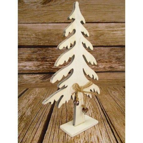 Ozdoba świąteczna drewniana choinka idealnie wpasuje się we wnętrza urzdzone w stylu prowansalski, rustykalny  i vintage, a także w stylu wiejskim.  Choinka świąteczna została wykonana ze sklejki. Całość została przewiązana kokardą ze sznurka z wiszącymi dzwoneczkami