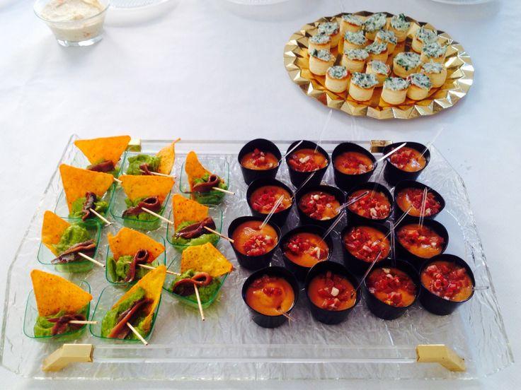 Guacamole con anchoa, salmorejo, queso azul con rúcula.