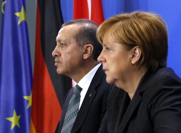 ειδησεις: Η σιωπή των αμνών ήταν η απάντηση του Τσίπρα στις δηλώσεις Μέρκελ για την Τουρκία.