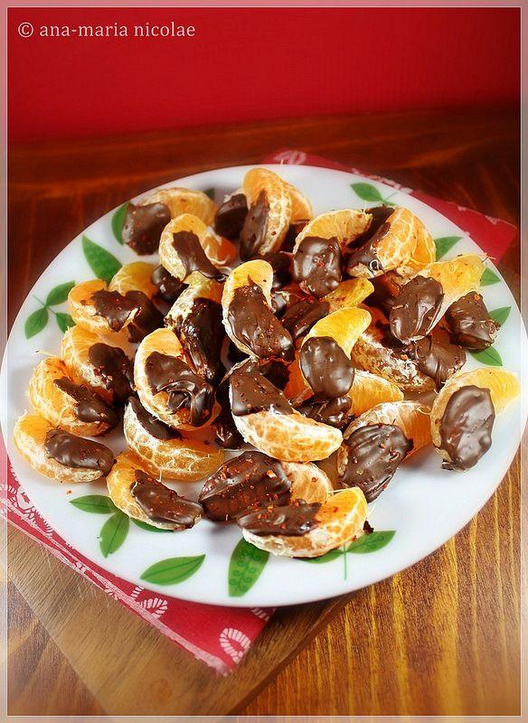 Mandarine cu ciocolata si chilli http://amainbucatarie.blogspot.ro/2013/12/mandarine-cu-ciocolata-si-chilli.html