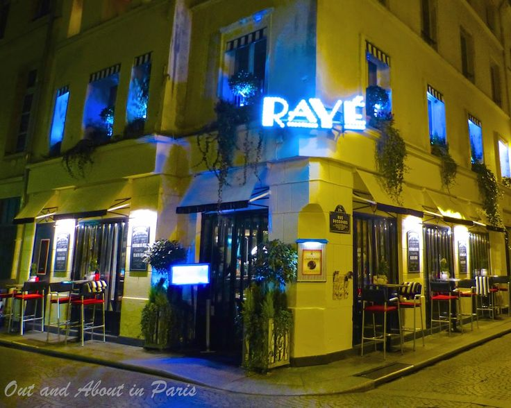 Out and About in Paris: Club RaYé, a stylish cocktail and piano bar in Par...