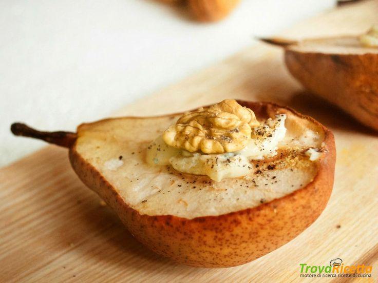 Pere al forno con cuore di gorgonzola, miele e noci  #ricette #food #recipes