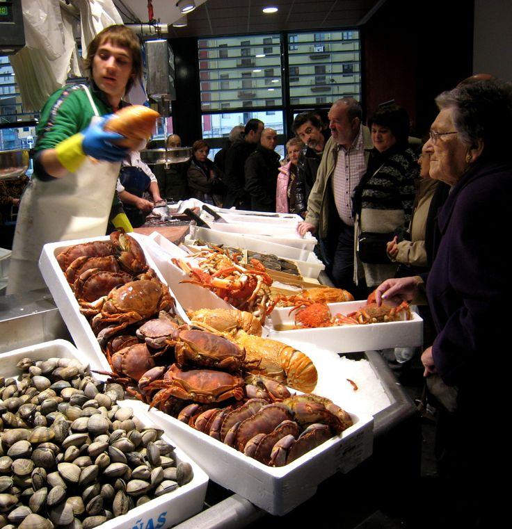 Pescadería en el mercado de la Ribera