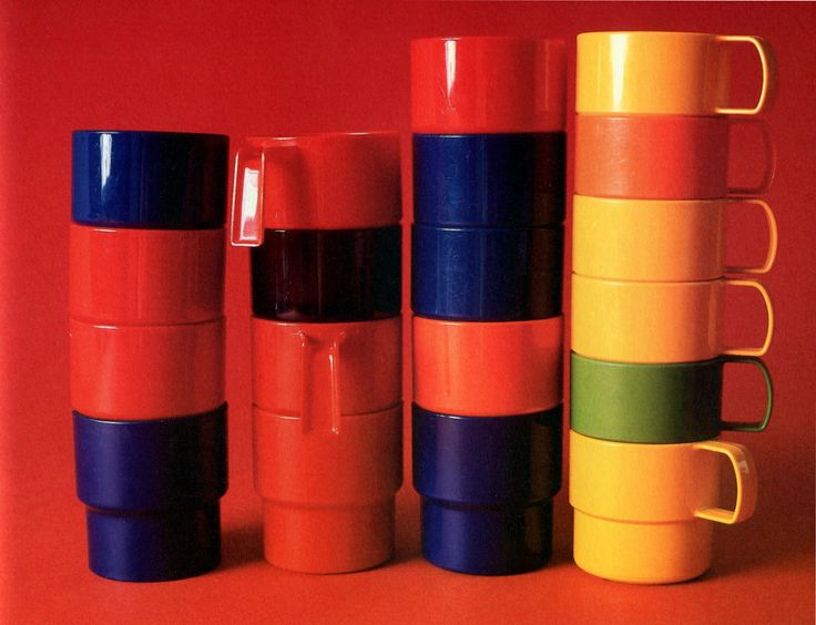 'Katrilli' plastic mugs (710, 810) and coffee cups (843) by Sarvis, designed by Tauno Tarna (1969).